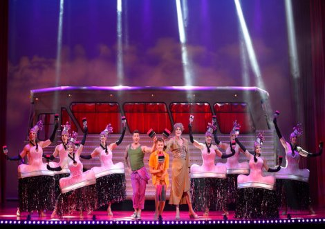 rsz_colour_my_world_-_priscilla_queen_of_the_desert_-_the_musical_-_photo_credit_paul_coltas 600 x 425