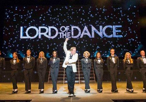A scene from Lord Of The Dance, Dangerous Games by Michael Flatley @ London Palladium (Opening 2-09-14) ©Tristram Kenton 08/14 (3 Raveley Street, LONDON NW5 2HX TEL 0207 267 5550 Mob 07973 617 355)email: tristram@tristramkenton.com