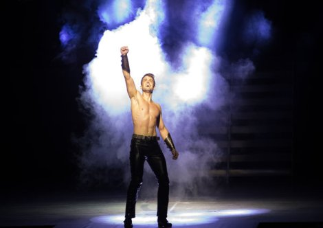 rsz_1copy_of_james_keegan_as_lord_of_the_dance_credit_marotiri_by_brian_doherty_2 600 x 425